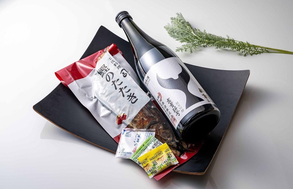 【オンラインショップで販売中】こだわりとろ鰹のタタキと純米吟醸 高育54号 ¥ 5,120